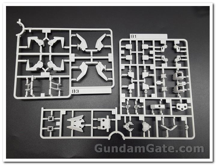 HG Core Gundam (Real Type Color) trong hộp có gì ? 2