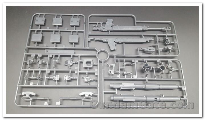 HG Zaku II Type C6-R6 có gì trong hộp ? 11