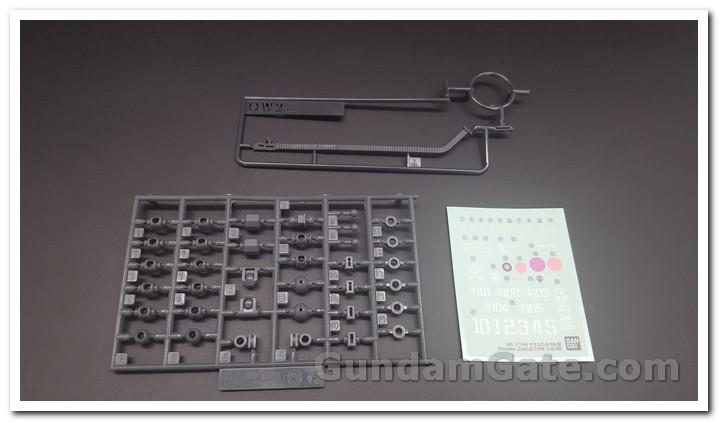 HG Zaku II Type C6-R6 có gì trong hộp ? 13