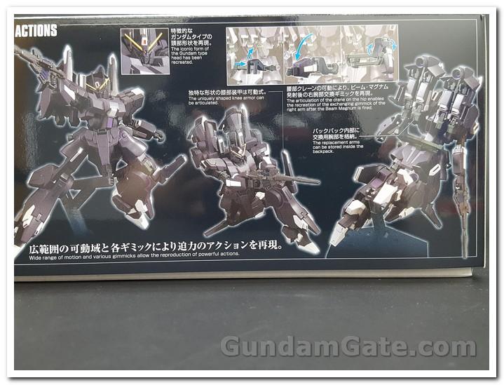 Các chi tiết đăc biệt được in trên hộp HGUC Silver Bullet Suppressor