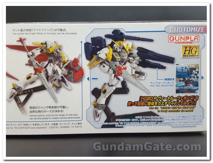 Gundam Justice Knight đi kèm với bộ Vũ khí Veetwo