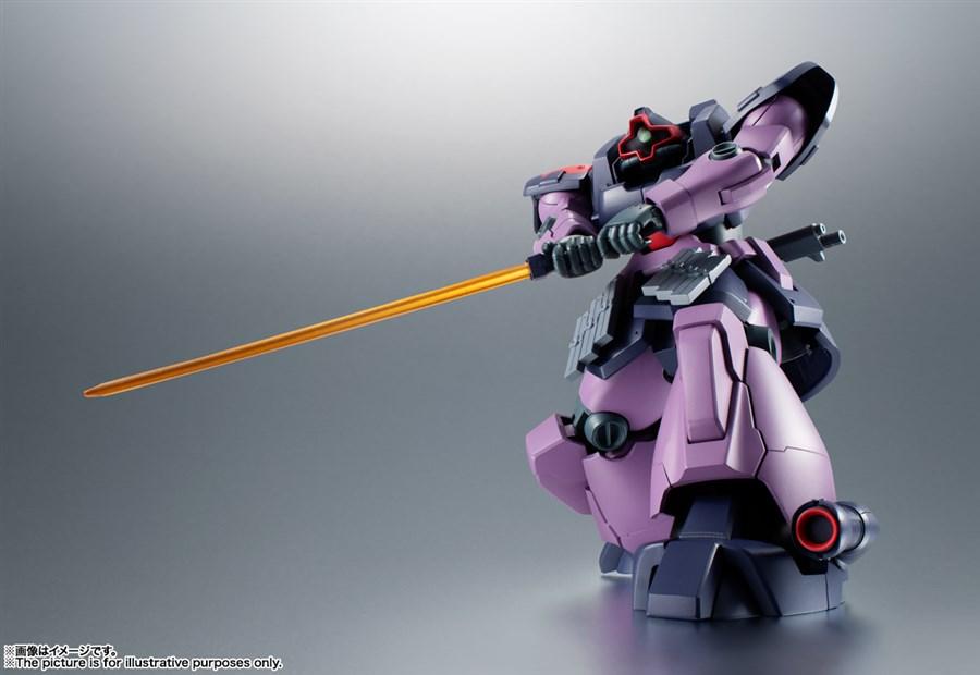 ROBOT SPIRITS Dom Tropen cũng sử dụng kiếm để cận chiến