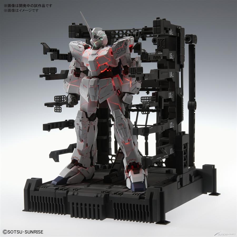 hiệu ứng gân máu đặc trưng của MGEX 1/100 Unicorn Gundam